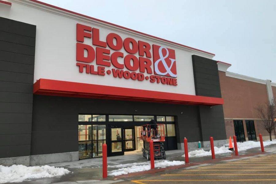 Floor & Decor Exterior